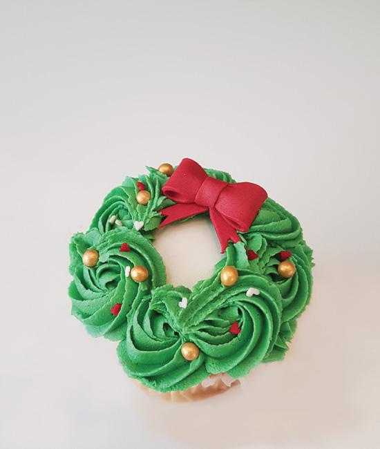 happy hollydays cupcake