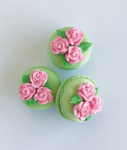 Dainty floral macaron