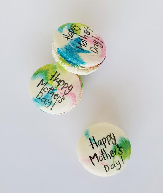 Tie dye Happy Mother's Day macaron