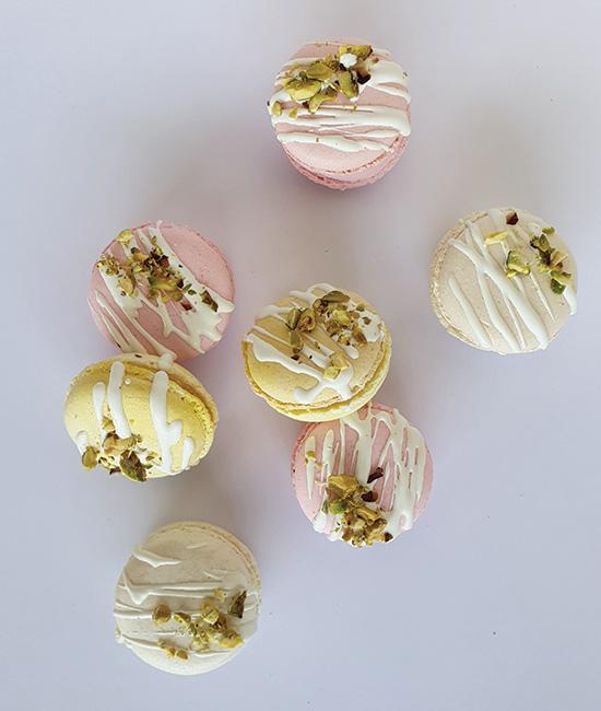 Chocolate drizzle macaron